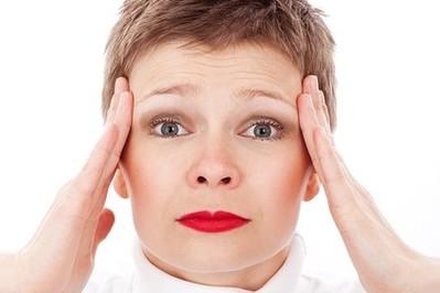 Co pomoże na migrenę? Stymulacja nerwów czy stabilizacja hormonalna?