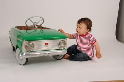 Dziecko a upał: jak zapobiegać przegrzaniu dziecka w samochodzie? SPRAWDŹ!
