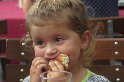 Porady psychologa – co robić, gdy dziecko nie chce jeść? QUIZ z nagrodami!