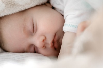 Jak zbić gorączkę u dziecka? Naturalne i domowe sposoby na gorączkę