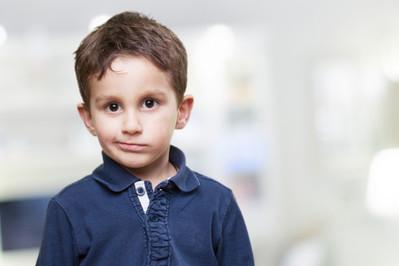 Tiki nerwowe u dziecka - jak sobie z nimi radzić?