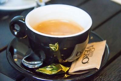Ciśnieniowy ekspres do kawy – dlaczego warto go kupić?