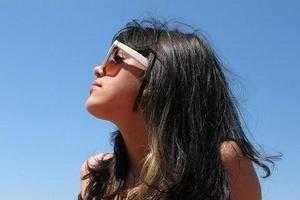 Słoneczna szkoła przetrwania dla włosów