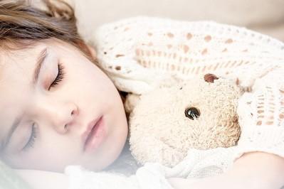 Gdy dziecko boli gardło – jesienne infekcje