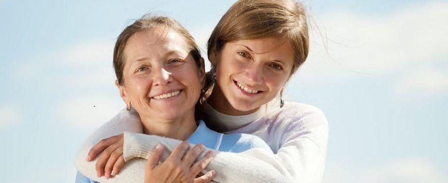Córki starszych matek częściej nie mają dzieci - nowe badania