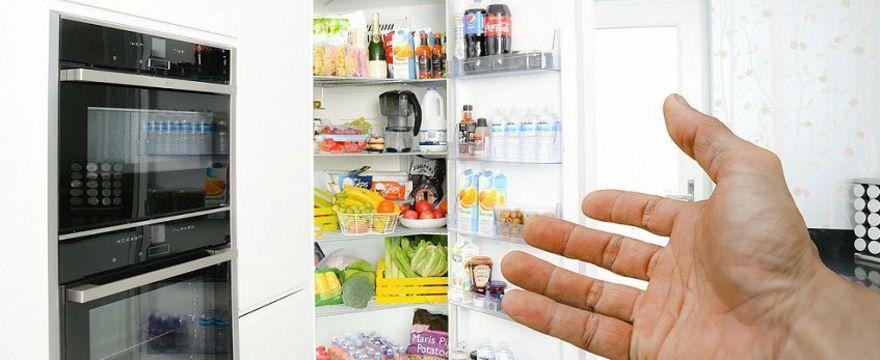 Mamo, czy wiesz czego lepiej nie przechowywać w lodówce? To warto wiedzieć