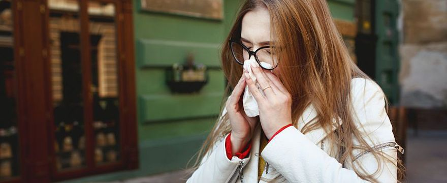 Sezon na alergie START! Zobacz co pyli na wiosnę i jakie są objawy alergii
