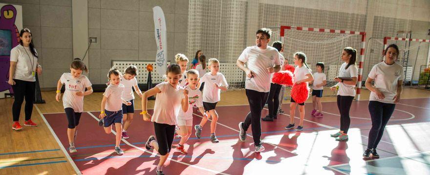 Aktywni nie tylko w świecie wirtualnym – brak aktywności fizycznej jest niebezpieczny dla dzieci!
