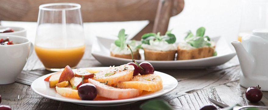 Rodzicu: pamiętaj o śniadaniu dla swojego dziecka! TOP 10 ZASAD ZDROWEGO ŻYWIENIA I STYLU ŻYCIA