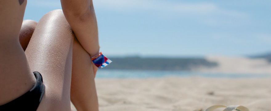 Antyfiltrowcy: kosmetyki z filtrem UV powodują raka! Nowy NIEBEZPIECZNY trend