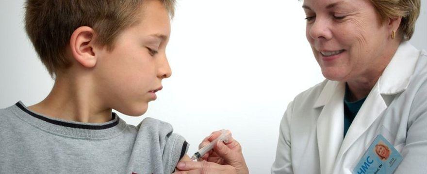 Czy kobiety w ciąży i dzieci powinny szczepić się na grypę?