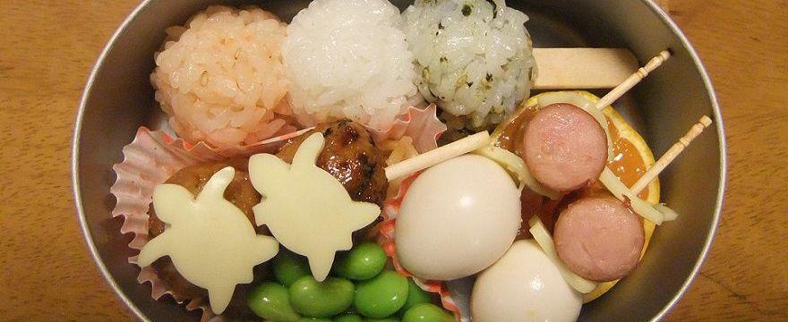 Drugie śniadanie inspirowane japońskim bento, zamiast słodyczy ze sklepiku
