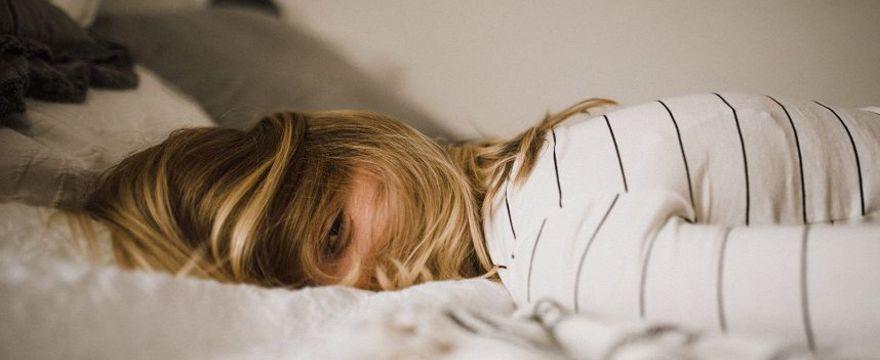 Jak dobrze spać? EKSPERT radzi jak poprawić jakość snu