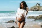 Ciąża latem? 5 skutecznych porad jak ją przetrwać!